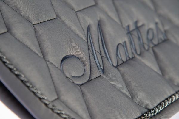 Limited Kollektion Mattes Schabracke grau- Fellrand vorne